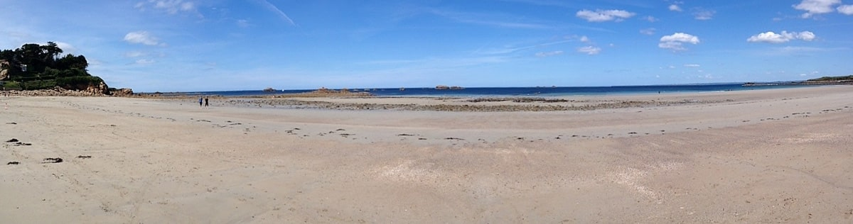 near-deaf-experience-panorama-plage
